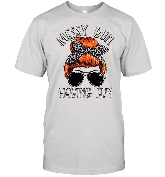 Skull girl messy bun having fun shirt Classic Men's T-shirt