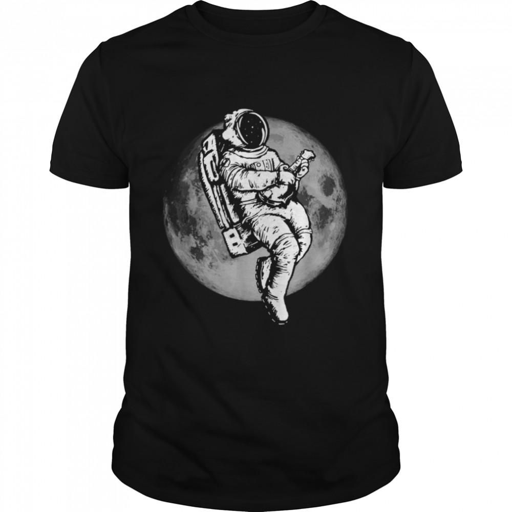 Space Mandolin Retro Astronaut Mandolinist & Moon  Classic Men's T-shirt