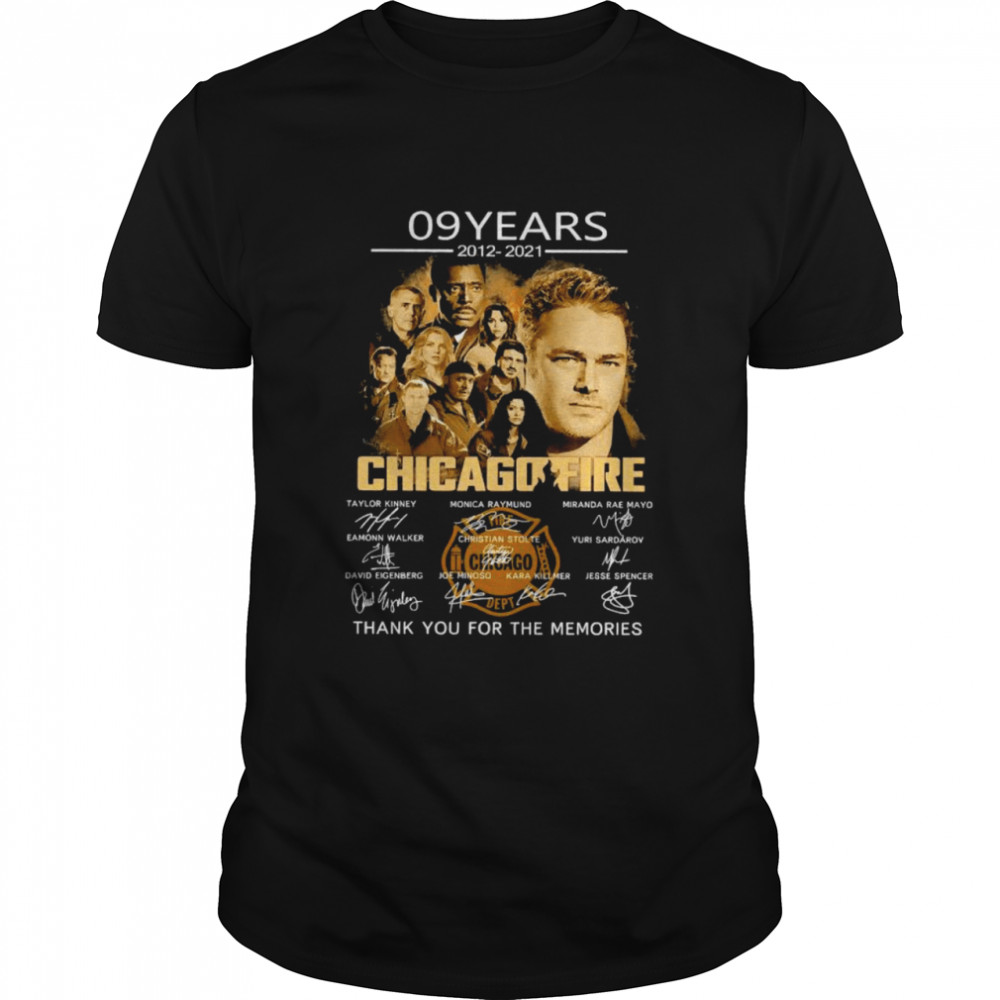09 Years 2012 2021 Chicago Fire Thank You For The Memories Signatures  Classic Men's T-shirt