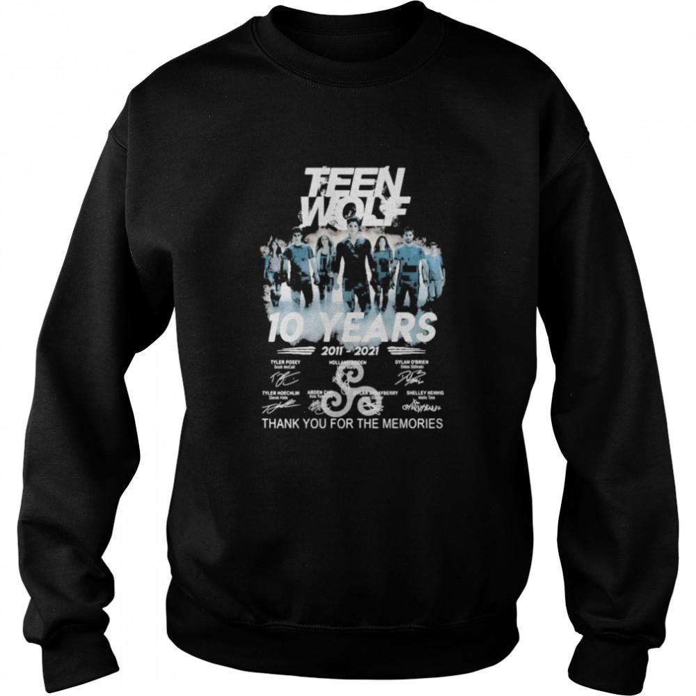 Teen Wolf 10 Years 2011 2021 Thank You For The Memories Signature  Unisex Sweatshirt