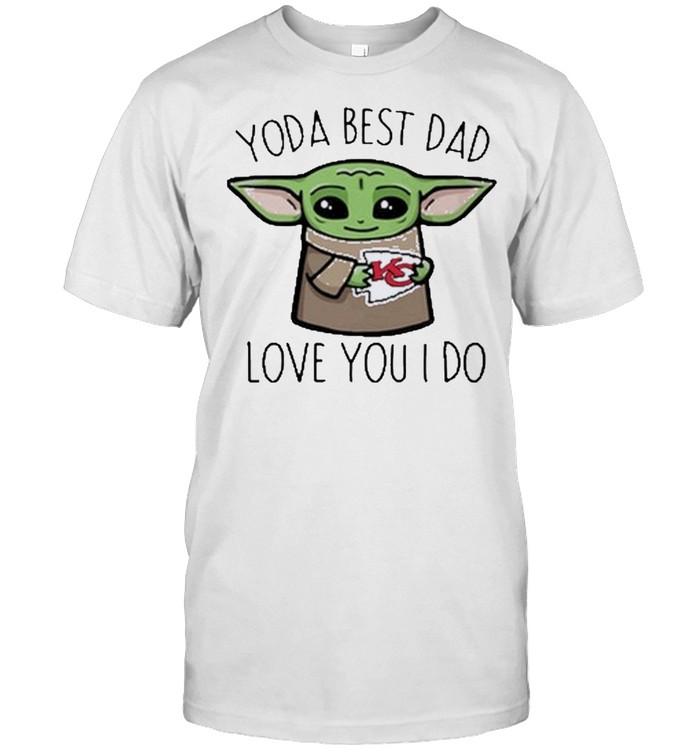 Baby Yoda The Child Hug Kansas City Chiefs Yoda Best Dad Love You I Do  Classic Men's T-shirt
